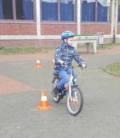 Jugendfahrer ed Spiele